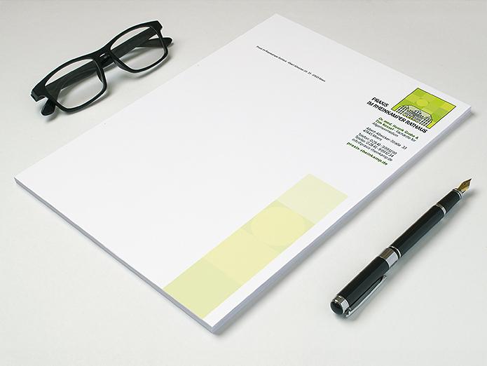 Praxis im Rheinkamper Rathaus · Briefbogen